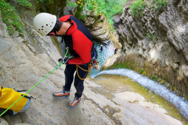 alta-ruta-aventura-barranquismo-800x500
