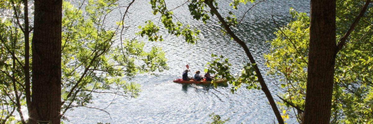 kayak-llac-lago-pirineus-aventura